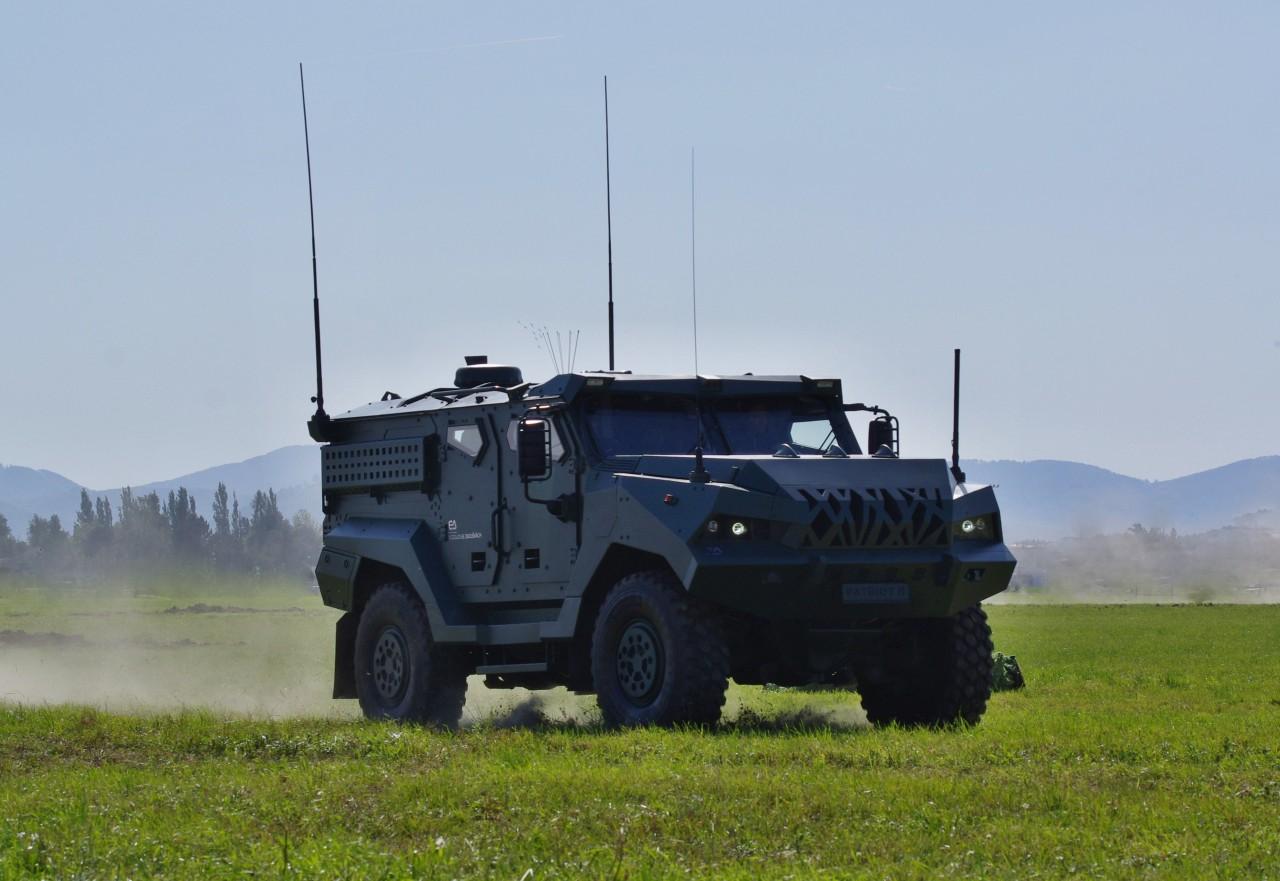 PATRIOT II 4×4 APC SHOWN TO WIDE PUBLIC | Military ...