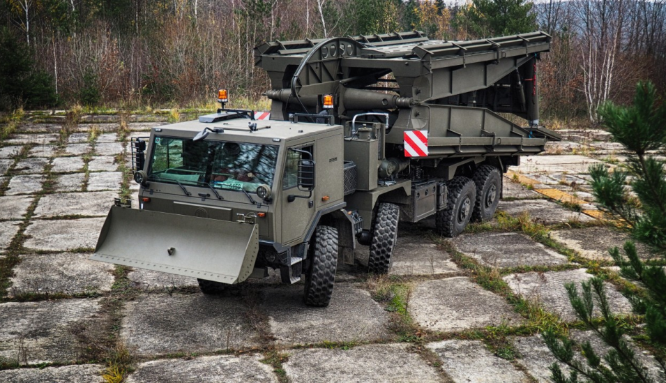 AM-70 EX